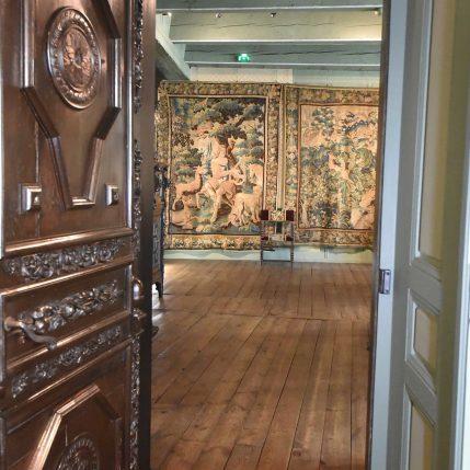 Le Salon aux tapisseries